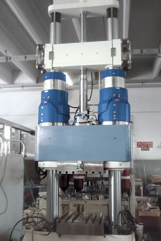 Hydraulic internal high pressure press