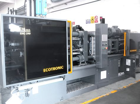 Injection Moulding Machine (Drive System)